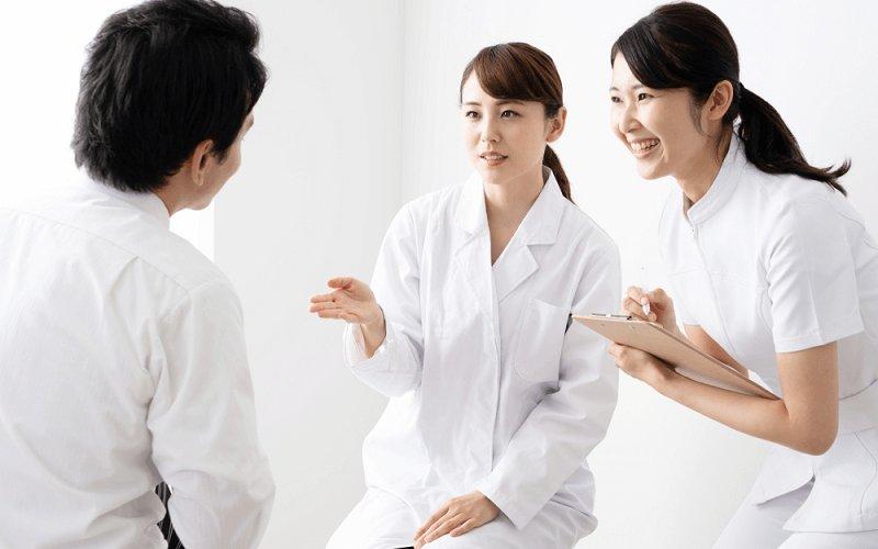 感情労働に従事する社員への対応方法