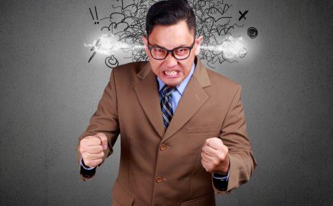 モンスター社員のリスクと対処方法|主な6つのタイプを知る