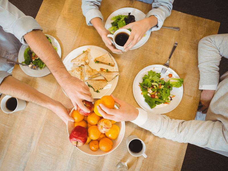 福利厚生に含まれる食事補助とは?