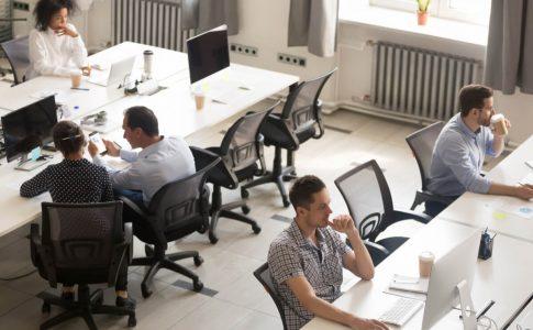 若手人材の早期離職が事業成長を停滞させる!退職の原因と若者の意識