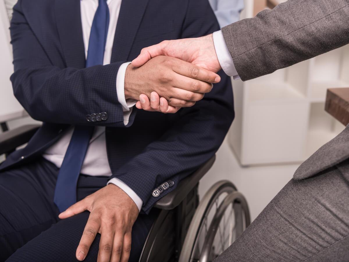 障害者雇用と障害者雇用促進法。企業にとっての義務と課題